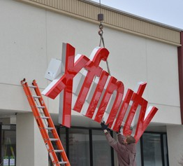 First Xfinity Retail Store in Illinois to open in Schaumburg on March 1