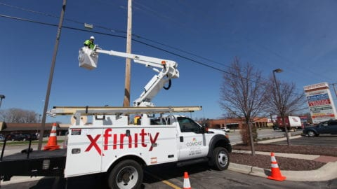 Xfinity WiFi Network Passes 325,000 Hotspots in Greater Chicago Region. Network to Reach 8 Million Nationally This Year